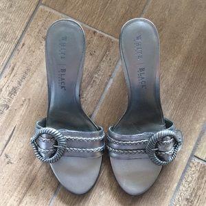 Sz 7 White House black market silver shoes